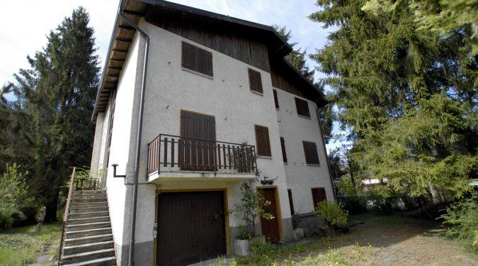 Evelin Sozzi Gestioni Immobiliari - Vendesi villa da ristrutturare a Clusone