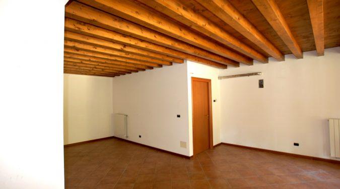 Evelin Sozzi Gestioni Immobiliari - Vendesi negozio/ufficio a Clusone