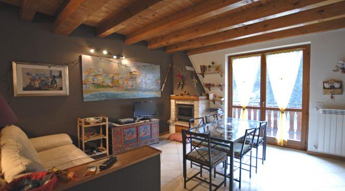 Evelin Sozzi Gestioni Immobiliari - Appartamento su due livelli a Gromo