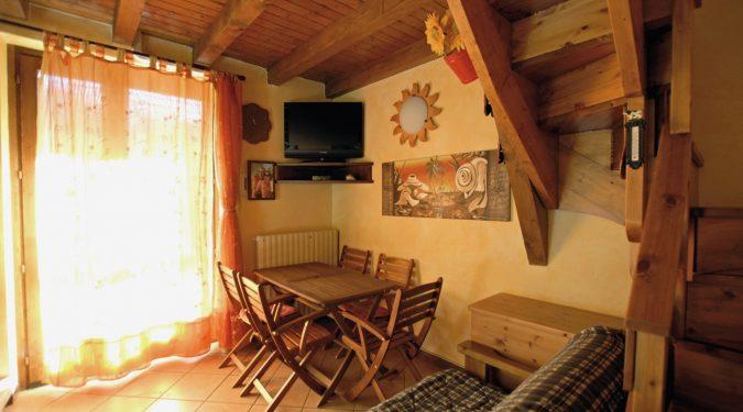 Evelin Sozzi Gestioni Immobiliari - Vendesi appartamento su due livelli a Gromo
