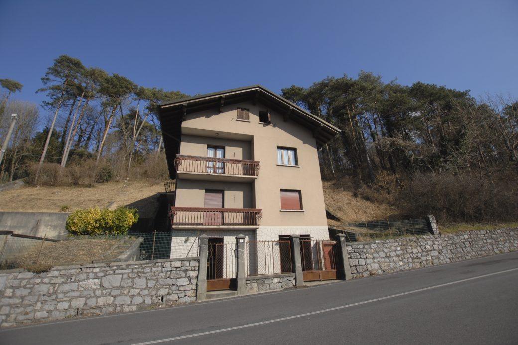 Evelin Sozzi Gestioni Immobiliari – Vendesi villetta da ristrutturare a Clusone