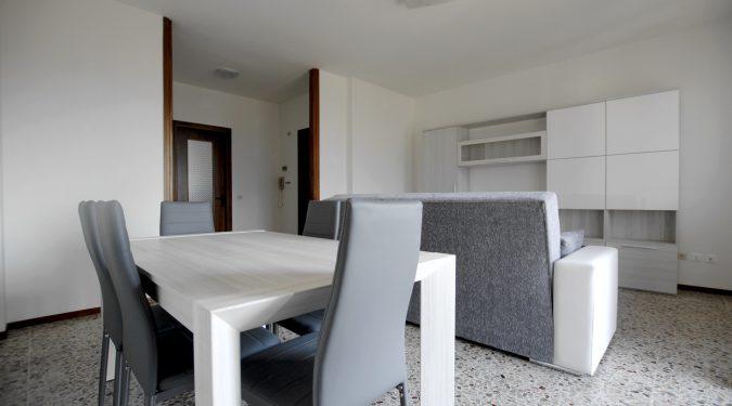 Evelin Sozzi Gestioni Immobiliari - Affitto quadrilocale in Via Barbarigo