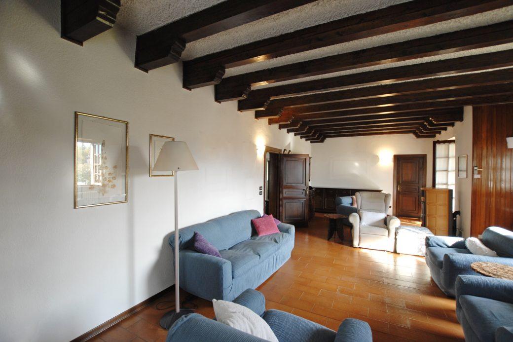 Evelin Sozzi Gestioni Immobiliari – Vendesi villa indipendente a Rovetta