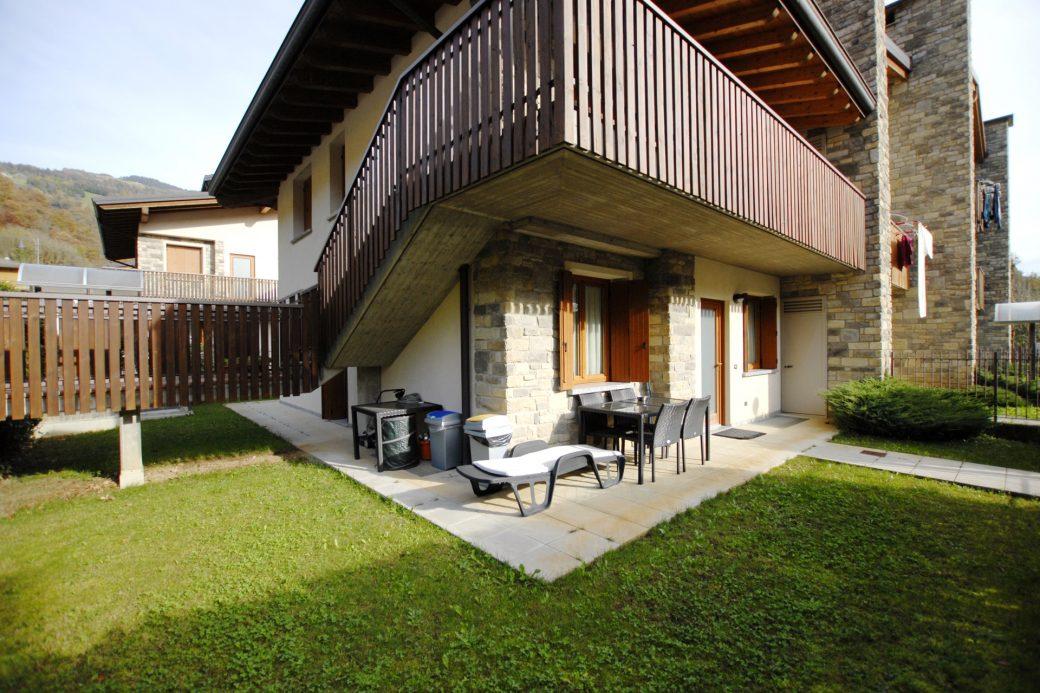 Evelin Sozzi Gestioni Immobiliari – Vendesi trilocale con giardino a Ponte Nossa
