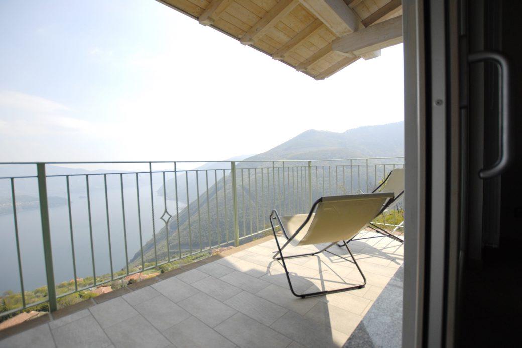 Evelin Sozzi Gestioni Immobiliari – Vendesi bilocale con piscina a Parzanica