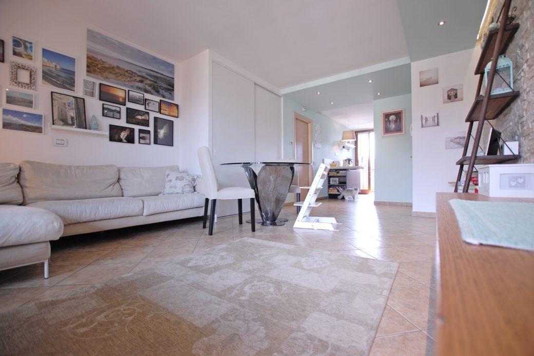 Evelin Sozzi Gestioni Immobiliari – Vendesi Attico a Clusone con terrazze e garage