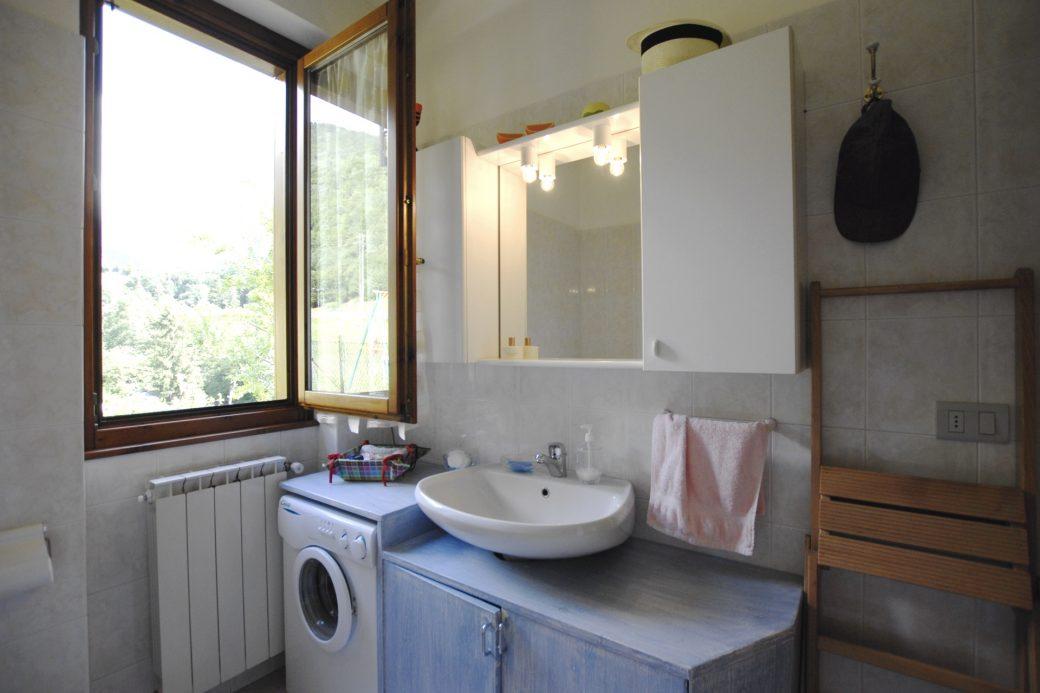 Evelin Sozzi Gestioni Immobiliari – Vendesi bilocale con giardino a Gandellino