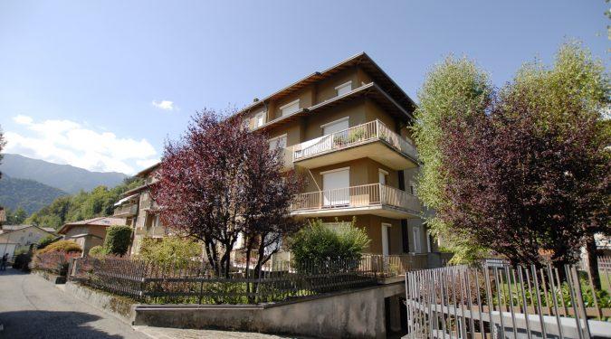 Evelin Sozzi Gestioni Immobiliari - Vendesi trilocale con terrazzi a Clusone