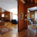Evelin Sozzi Gestioni Immobiliari – Vendesi ampia proprietà signorile a Cluson