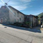 Evelin Sozzi Gestioni Immobiliari - Vendesi intera casa a Villa d'Ogna